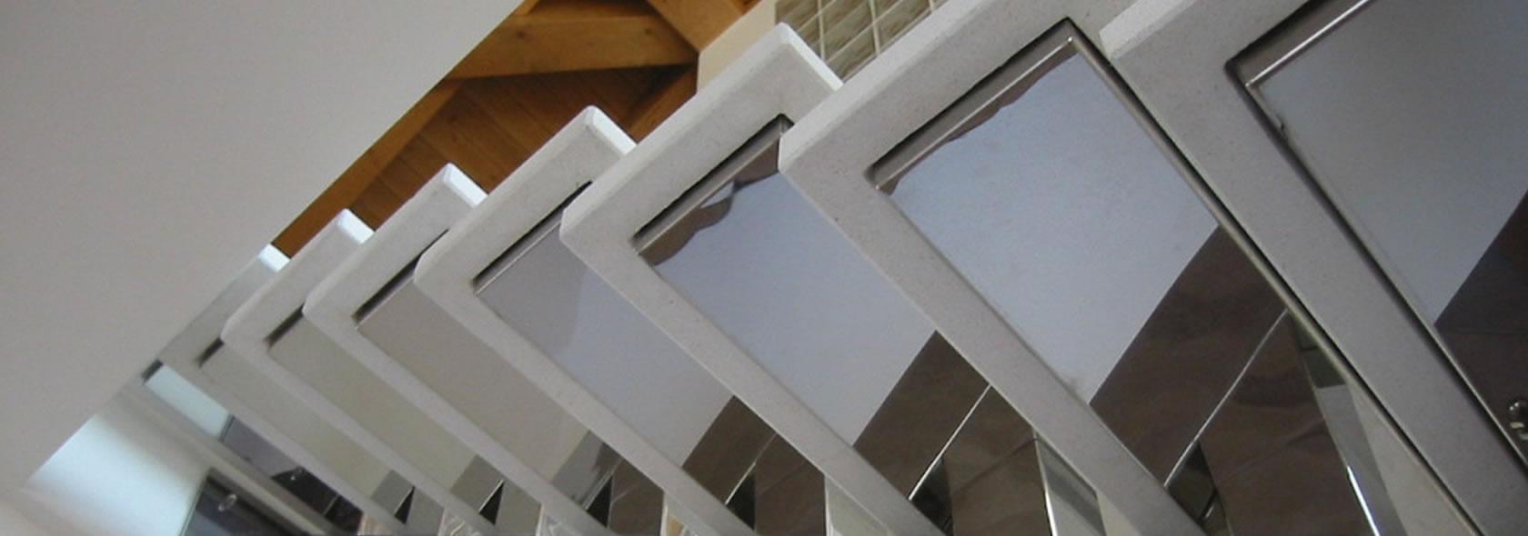 lavorazione acciaio inossidabile scale e ringhiere